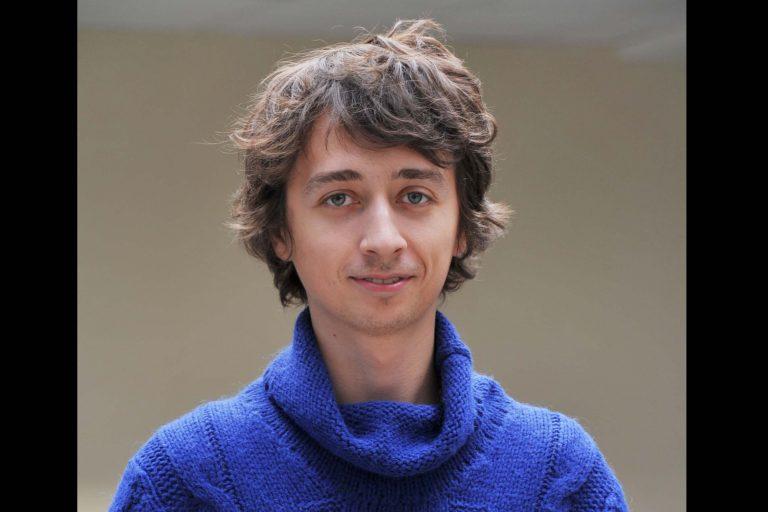 Андрей Серяков